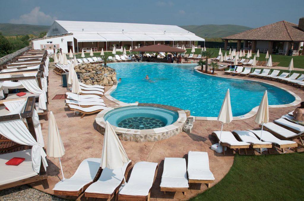 Paradisul Transilvaniei Resort - hoteluri cu piscine