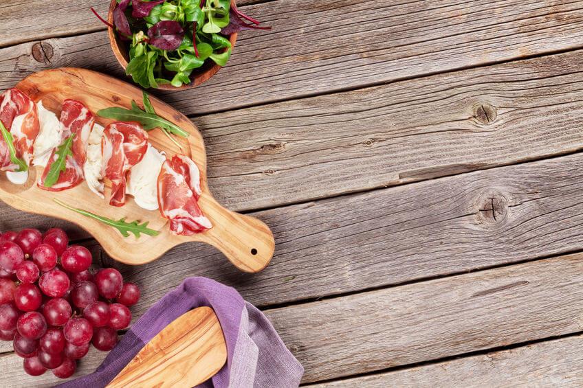 Rețete cu struguri - crostini cu prosciutto și struguri
