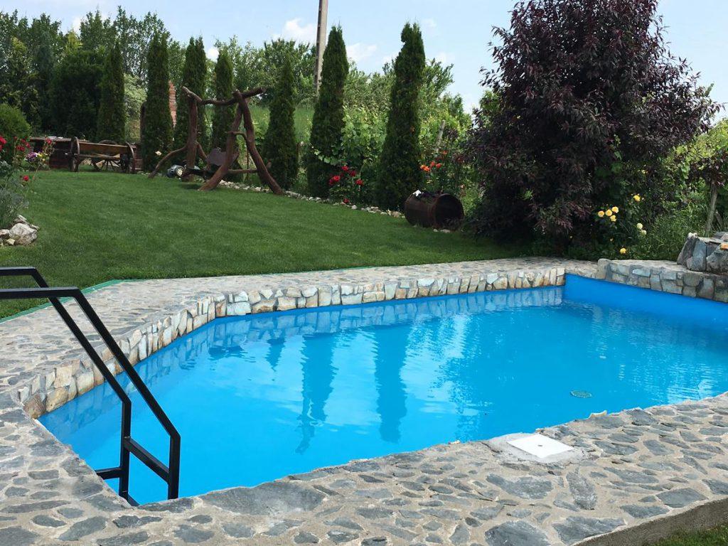 Wineyards Salin - hoteluri cu piscine în România