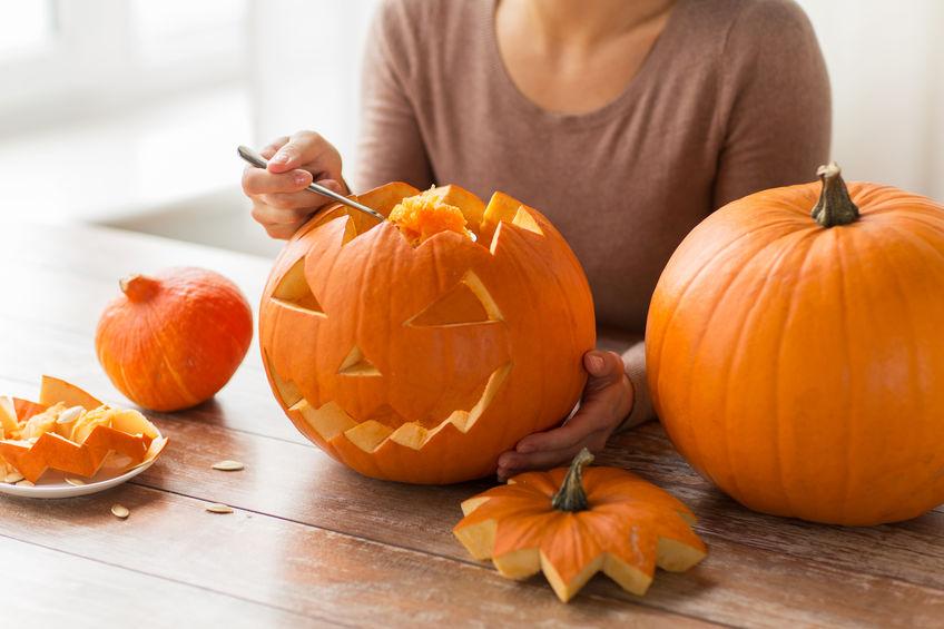 Cum sculptezi un dovleac pentru Halloween