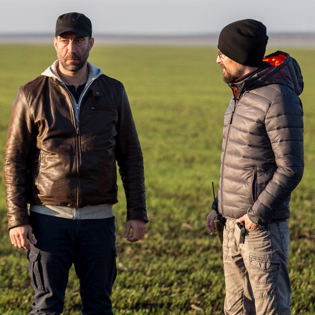 Șerban Pavlu și regizorul Bogdan Mirică, la filmările pentru Umbre