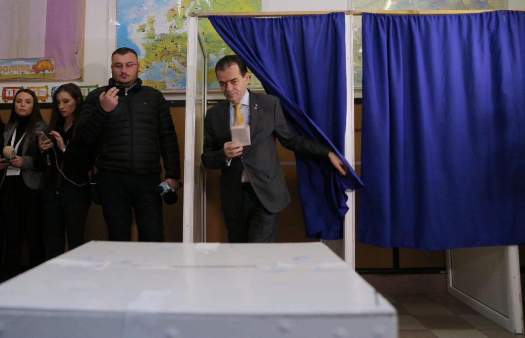 Premierul României și-a exprimat votul la școală din localitatea Dobroești, județul Ilfov