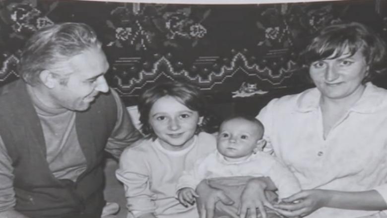 Revoluția din Timișoara - poza de familie cu Ioana Barbat, sora ei, mama si tatal