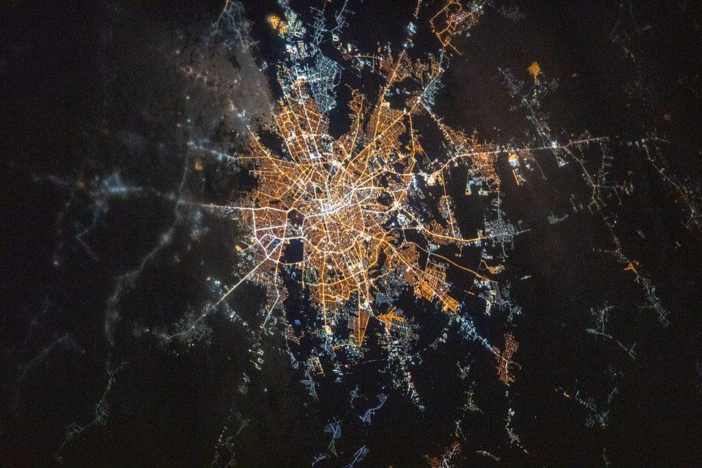 Cum arată Bucureștiul văzut din spațiu noaptea