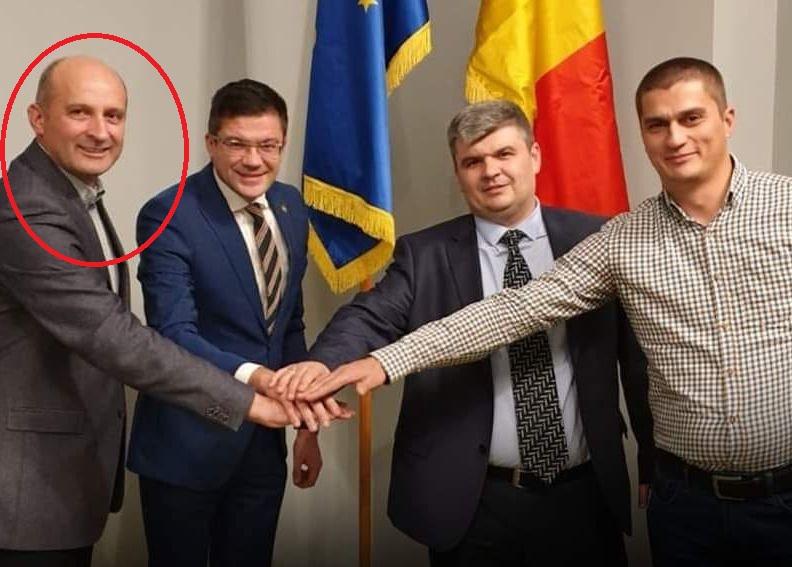 Iovu Biriș (stânga), alături de Costel Alexe, ministrul Mediului (al doilea din stânga) Sursa foto: PNL