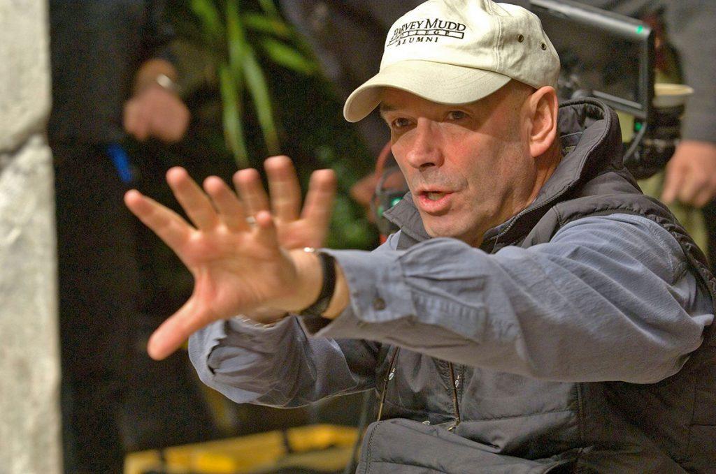 Martin Campbell, pe platoul de filmare de la Casino Royale (2006)