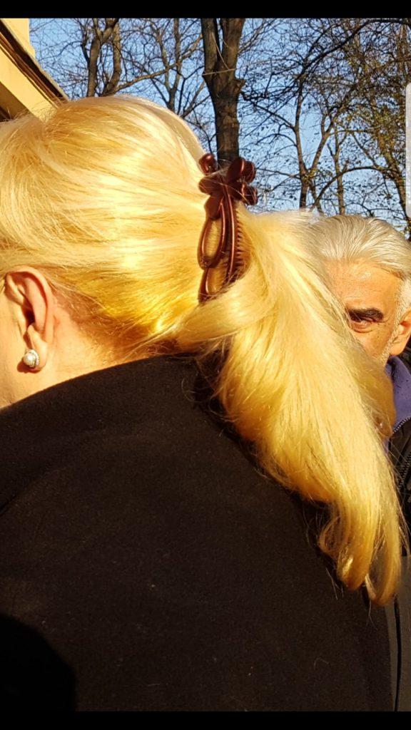 Viorica Dăncilă cu părul prins în coadă