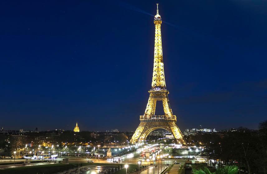 Turnul Eiffel - Simbolul Parisului