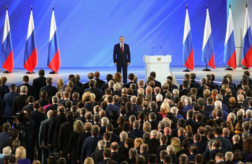 La Moscova, Vladimir Putin începe să își aranjeze formula potrivită care să îi permită rămânerea la putere FOTO: Hepta