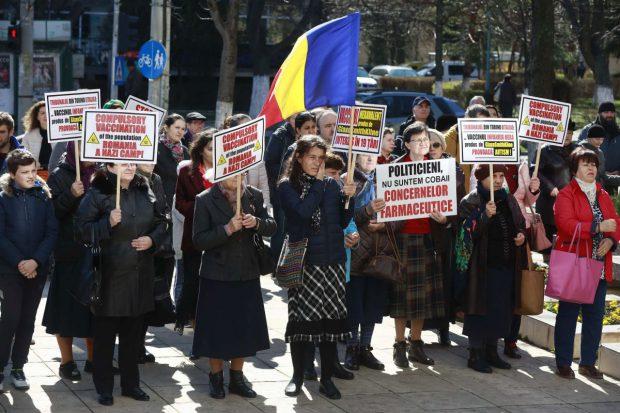 STUDIU. 6 români din 10 spun că nu vor să se vaccineze