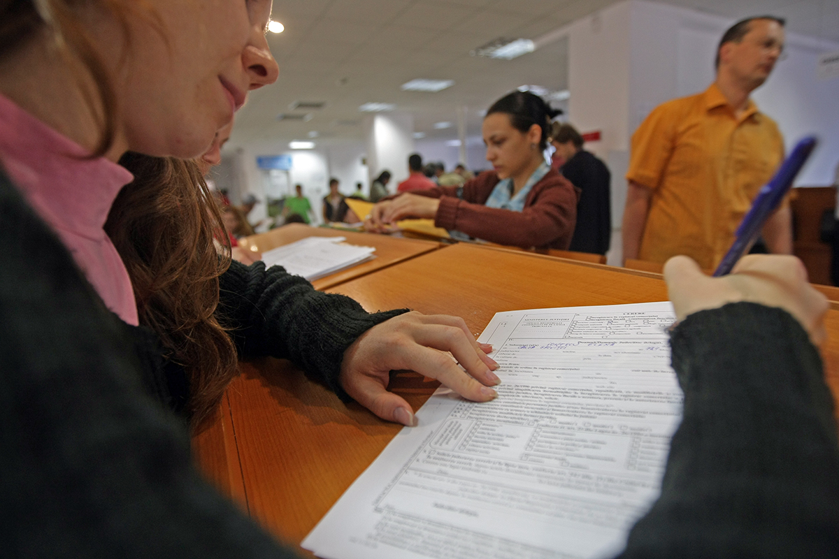 Registrul Comerțului Prelungește Programul Angajaților Libertatea