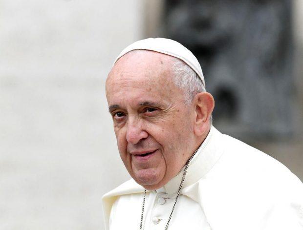 Papa Francisc, după ce a vizitat un cartier de romi în Slovacia: Plasarea oamenilor în ghetouri nu rezolvă nimic