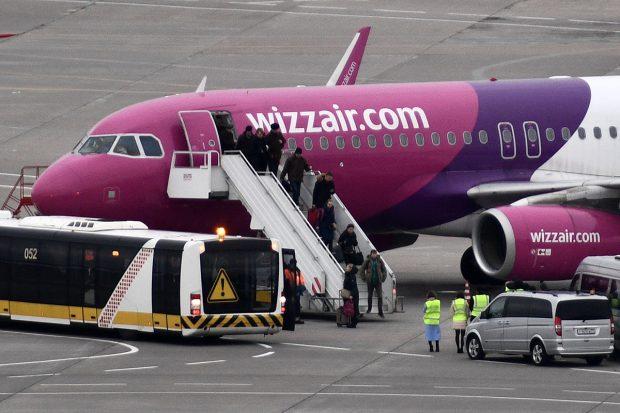 Compania aeriană Wizz Air impune vaccinarea obligatorie pentru echipaj