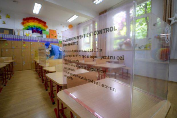 Bacalaureat Limba română 2020. Peste 155.000 de absolvenții de clasa a 12-a încep azi examenele