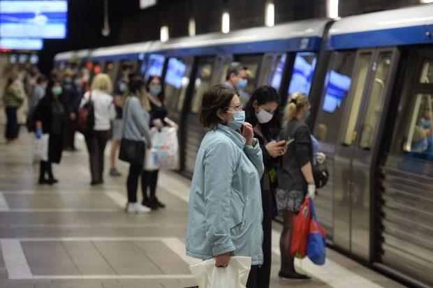 Paznicii de la metrou vor fi redistribuiți în stațiile aglomerate