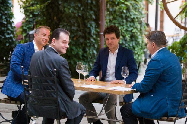 """Ludovic Orban spune că restricționarea programului de la terase """"va face bine oamenilor"""""""