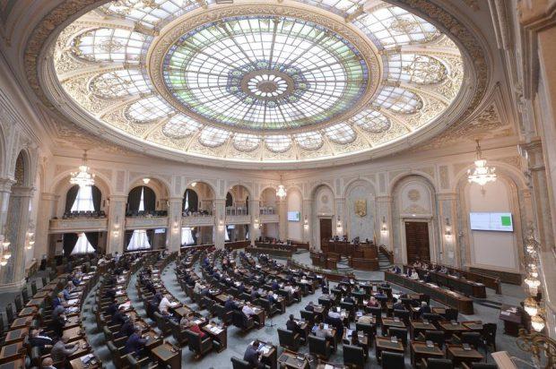 UPDATE | Comisia Juridică a reluat dezbaterea pe legea carantinei. Se discută despre contestarea în instanţă a măsurilor