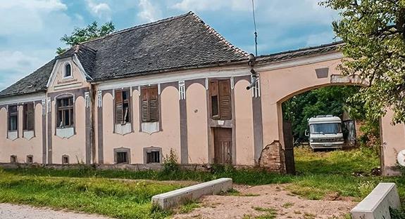 """Dana Rogoz a publicat primele imagini cu locuința cumpărată la Viscri. """"E foarte mult de lucru la ea"""""""