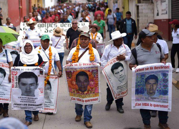 """La șase ani după ce Mexicul a fost zguduit de dispariția a 43 de studenți, resturile unuia din ei au fost identificate. Un reprezentant al familiilor, mărturie pentru Libertatea: """"Vrem adevărul!"""""""