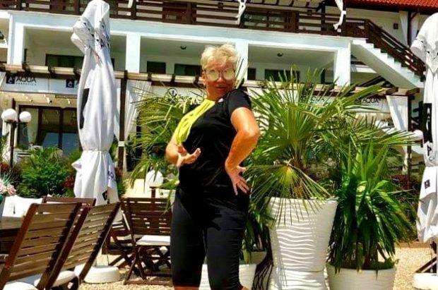 Silvia Dumitrescu s-a pozat în costum de baie, după ce a slăbit 14 kilograme. Cum arată artista la 60 de ani