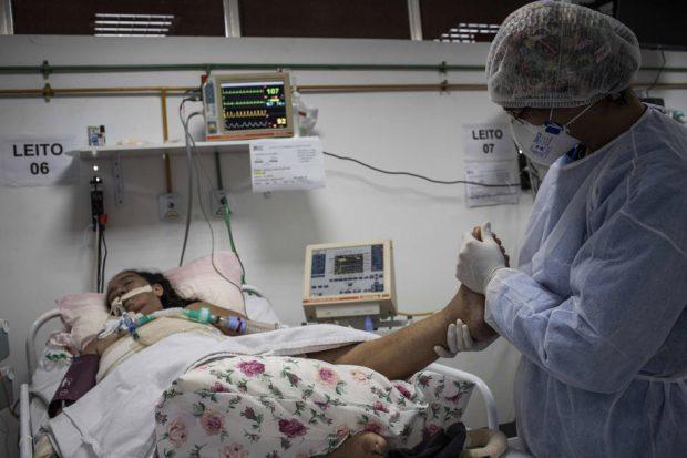 O tânără din Brazilia a murit de Covid-19 după ce a născut gemeni