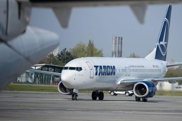 Tarom: Pasagerii care călătoresc spre Amsterdam au nevoie de un test antigen negativ