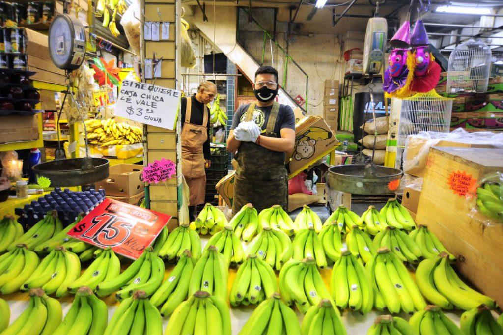 """Cum a devenit cea mai mare piață alimentară din vestul lumii epicentrul unei epidemii COVID care a făcut ravagii: """"Am înțeles cum se simte un animal captiv"""""""