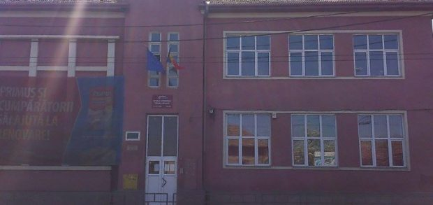 """Mama unei fetițe de 11 ani acuză că fiica ei a fost agresată de alți doi elevi în școala din Cluj-Napoca în care învață: """"Nimeni nu ia măsuri"""""""