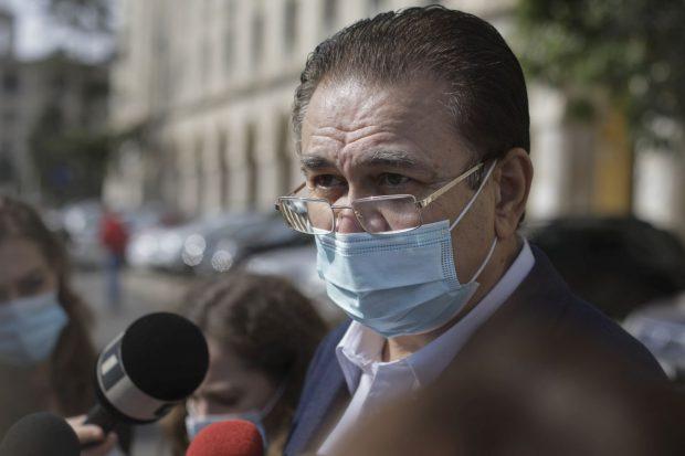 """Prefectul Capitalei: """"În București nu mai sunt locuri la ATI"""". Spitalul Colentina devine unitate COVID-19. Cadrele medicale din unele școli vor fi detașate în spitale"""