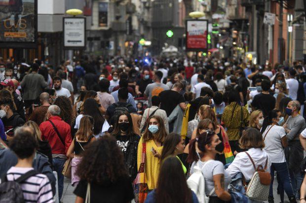 Record sumbru în Franța: Peste 52.000 de infectări cu COVID în ultimele 24 de ore