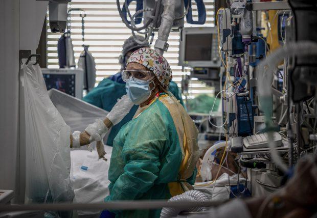 """Cehia, nou record de infecții cu COVID-19: """"Capacitatea spitalelor începe să se apropie de limită"""""""