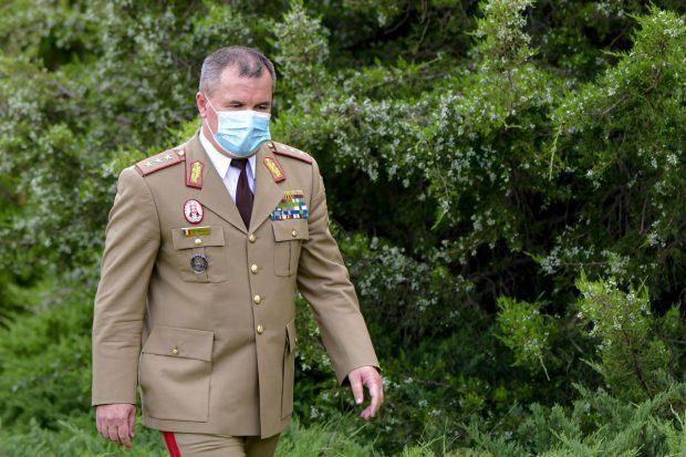 Șeful Statului Major al Apărării, infectat cu COVID-19. Ministrul Ciucă e negativ, dar și el în izolare