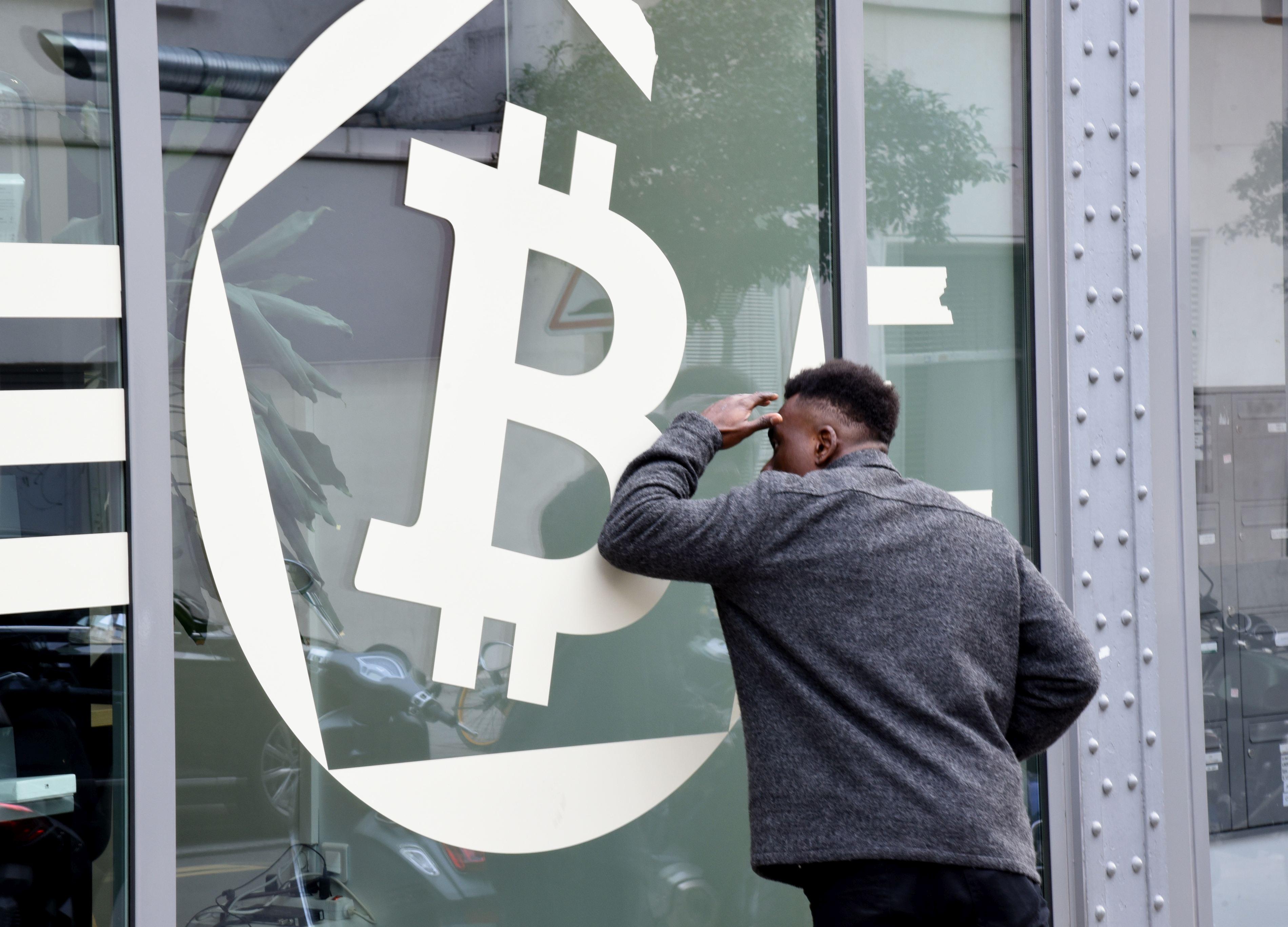 bitcoin piața de monedă bitcoin tranzacționarea în jos