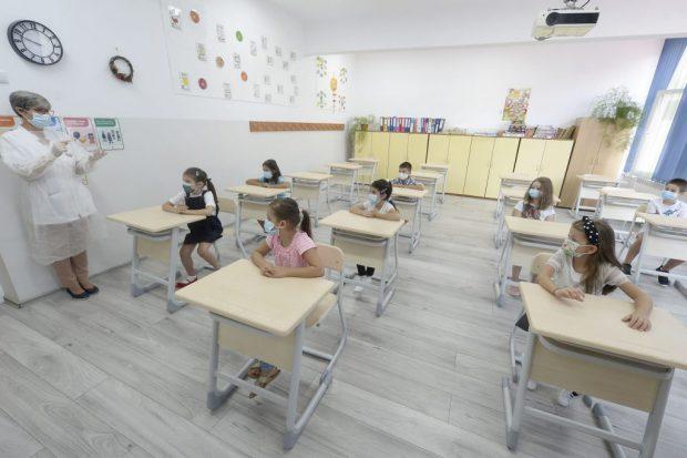 Avocatul Poporului solicită Ministerului Educației redeschiderea școlilor, conform recomandării OMS
