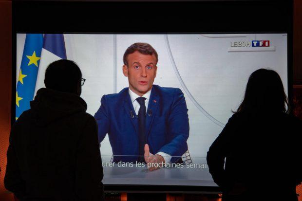 Guvernul francez ridică măsurile de izolare pe 15 decembrie. Când vor fi făcute primele vaccinuri