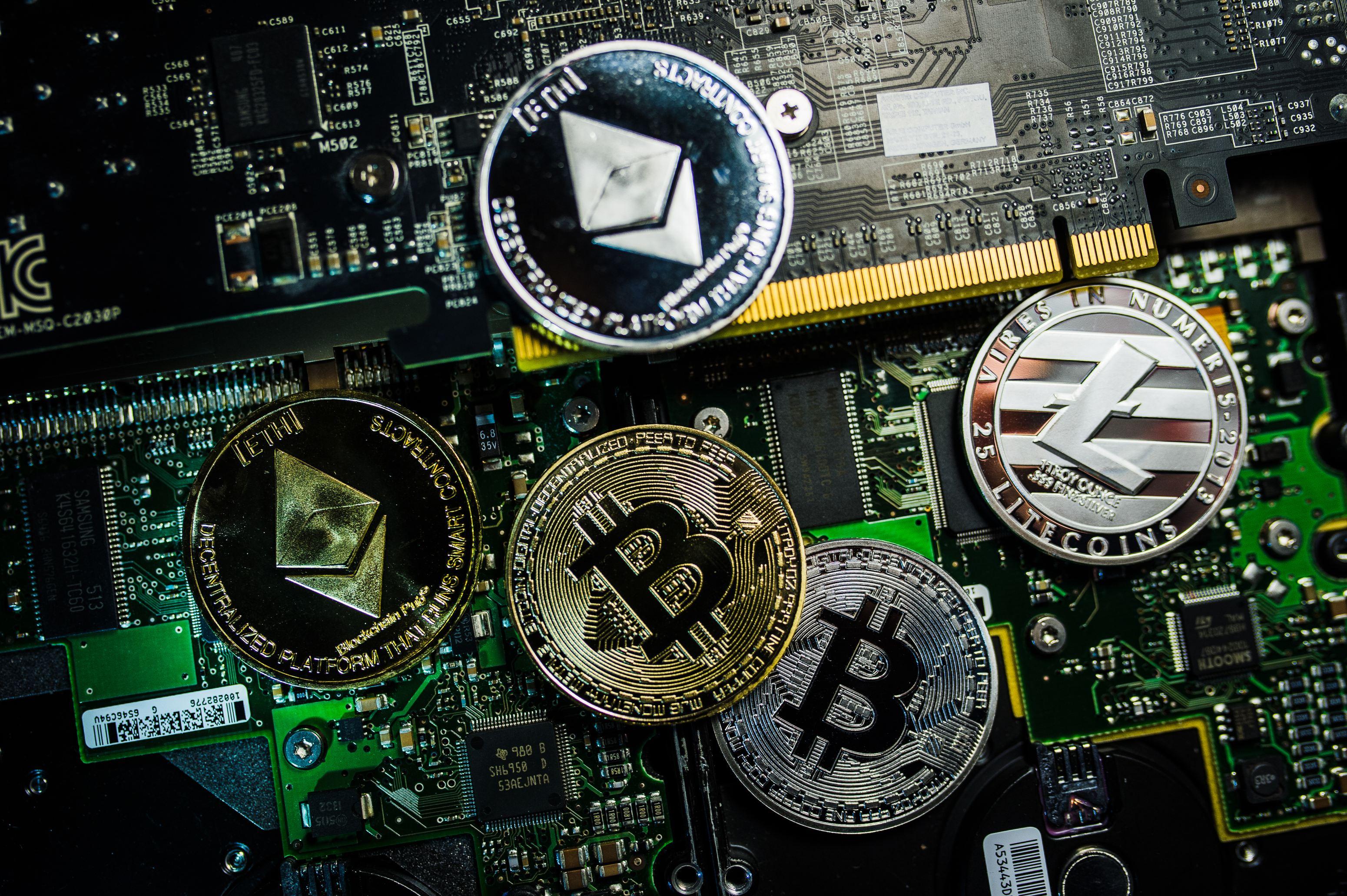 cel mai bun cripto pentru a investi iulie 2021 investiție minimă în bitcoin moldova cele mai bune 10 roboți opționale binare