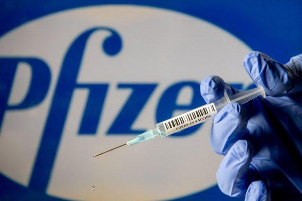 Pfizer estimează că va câştiga 33,5 miliarde de dolari anul acesta din vânzarea de vaccinuri anti-COVID