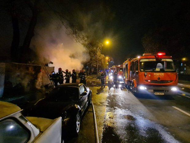 VIDEO | O terasă din București s-a făcut scrum, iar un bărbat a suferit arsuri