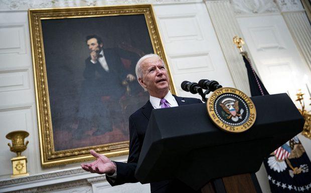 Doi profesori din SUA, un român și un american, explică pașii pe care-i va face Biden ca să întoarcă America la era dinainte de Trump