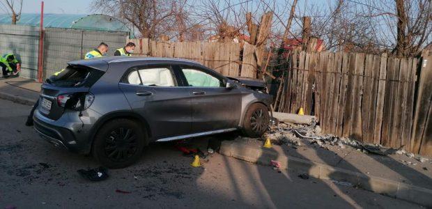Două fete au murit după ce au fost lovite de o mașină, pe trotuar, în București. Șoferița, bătută de martori