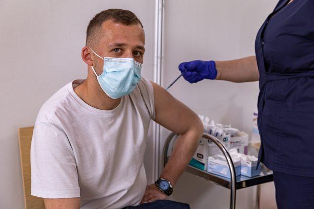 Bilanţul vaccinării anti-COVID: Aproape 7.800 de români, imunizaţi cu prima doză