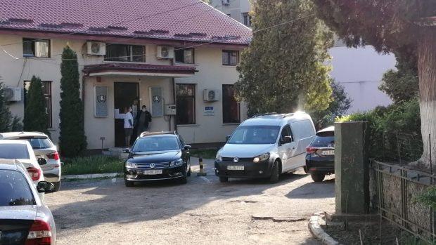 Un psiholog de 40 de ani din Iași s-a sinucis la muncă. A fost găsit de colegii alertați că nu răspunde telefoanelor de la recepție
