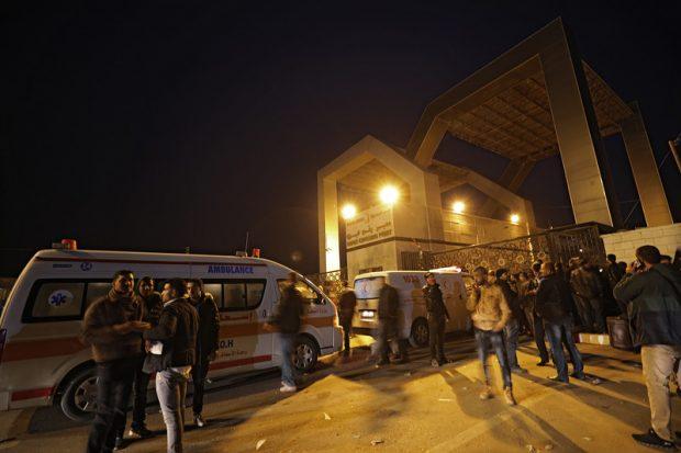 Egiptul trimite ambulanțe pentru a evacua răniții din Gaza