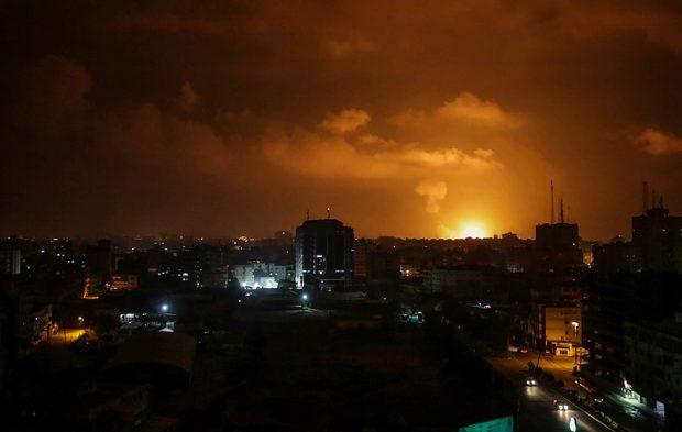 """Hamas a lansat o """"ploaie de rachete"""" peste Tel Aviv, după ce un bloc din Fâșia Gaza a fost distrus de forțele israeliene"""