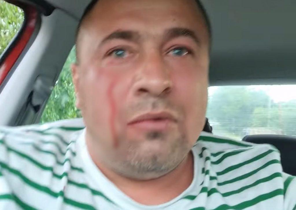 Un activist buzoian, urmărit şi bătut în trafic, chiar sub ochii poliţiştilor. Agresorii s-au ales cu dosar penal