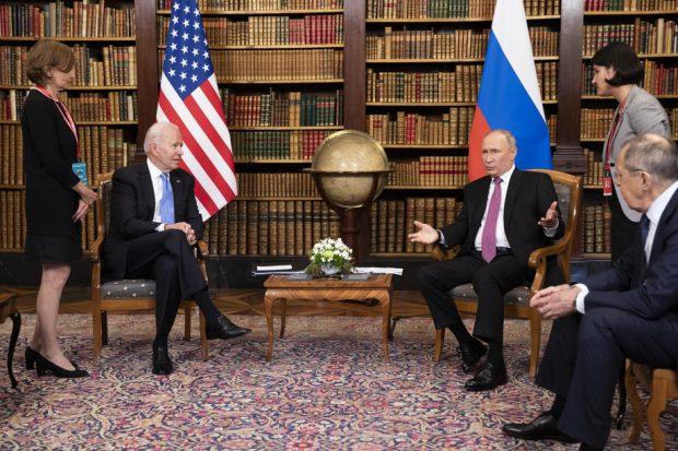 """Summitul Biden-Putin s-a încheiat """"fără ostilitate"""" și """"fără amenințări"""", dar într-un dezacord aproape total"""