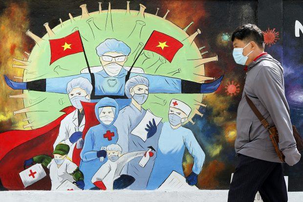 Un bărbat din Vietnam, condamnat la 5 ani de închisoare pentru că a răspândit COVID. Câte persoane a infectat