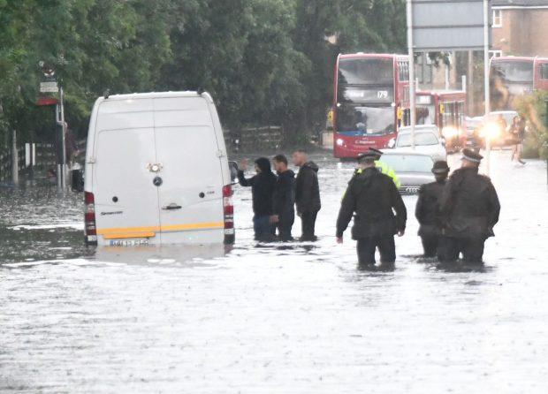 Inundații la Londra. Opt stații de metrou au fost închise după ce apa a ajuns în subteran