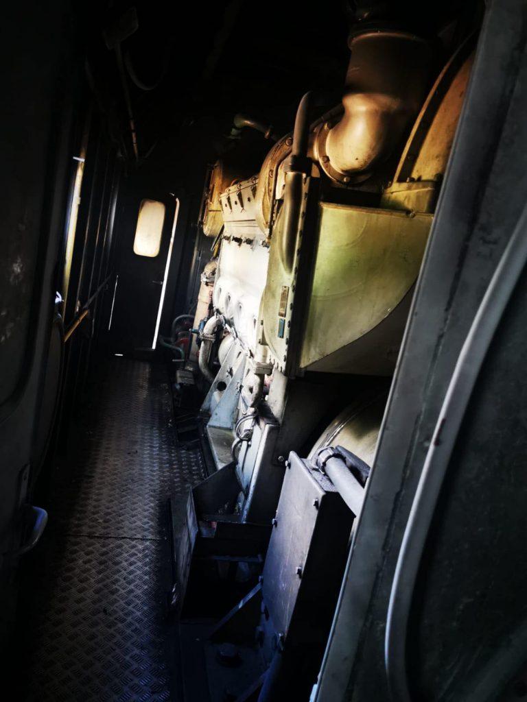 Locomotiva unui tren cu 80 de călători a luat foc în Dâmbovița. Nu sunt victime