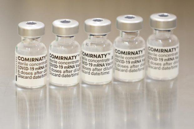Pfizer a cerut aprobarea pentru administrarea unei a treia doze de vaccin